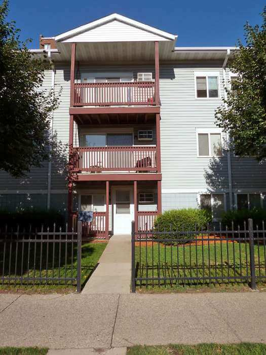 Portland Place 1 4 Bedroom Apartments In Minneapolis Mn