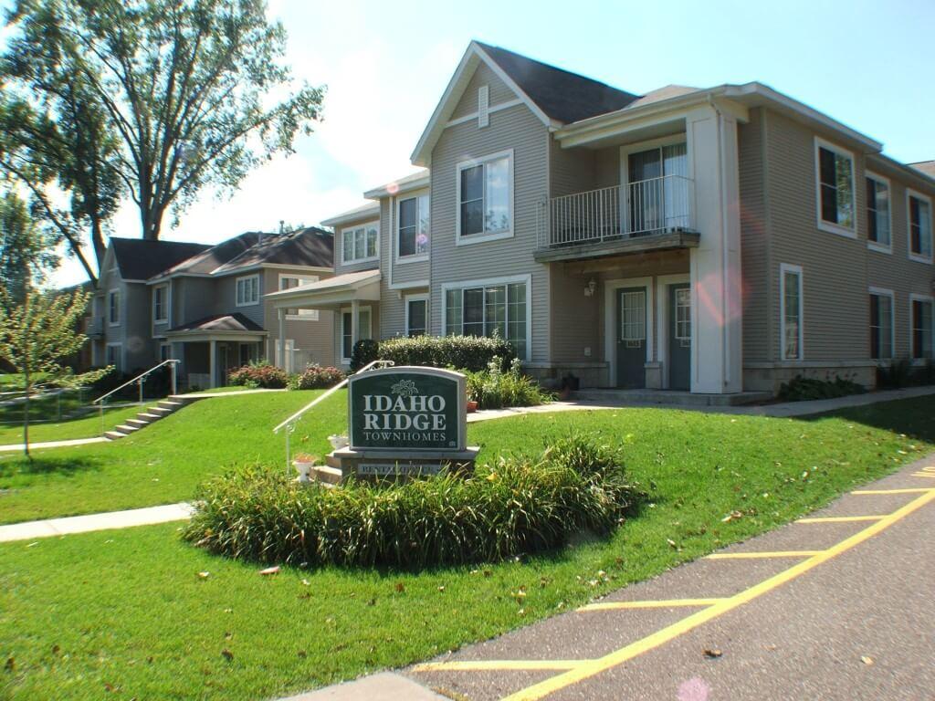 Idaho Ridge Townhomes 2 3 Bedroom Townhomes In St Paul Mn