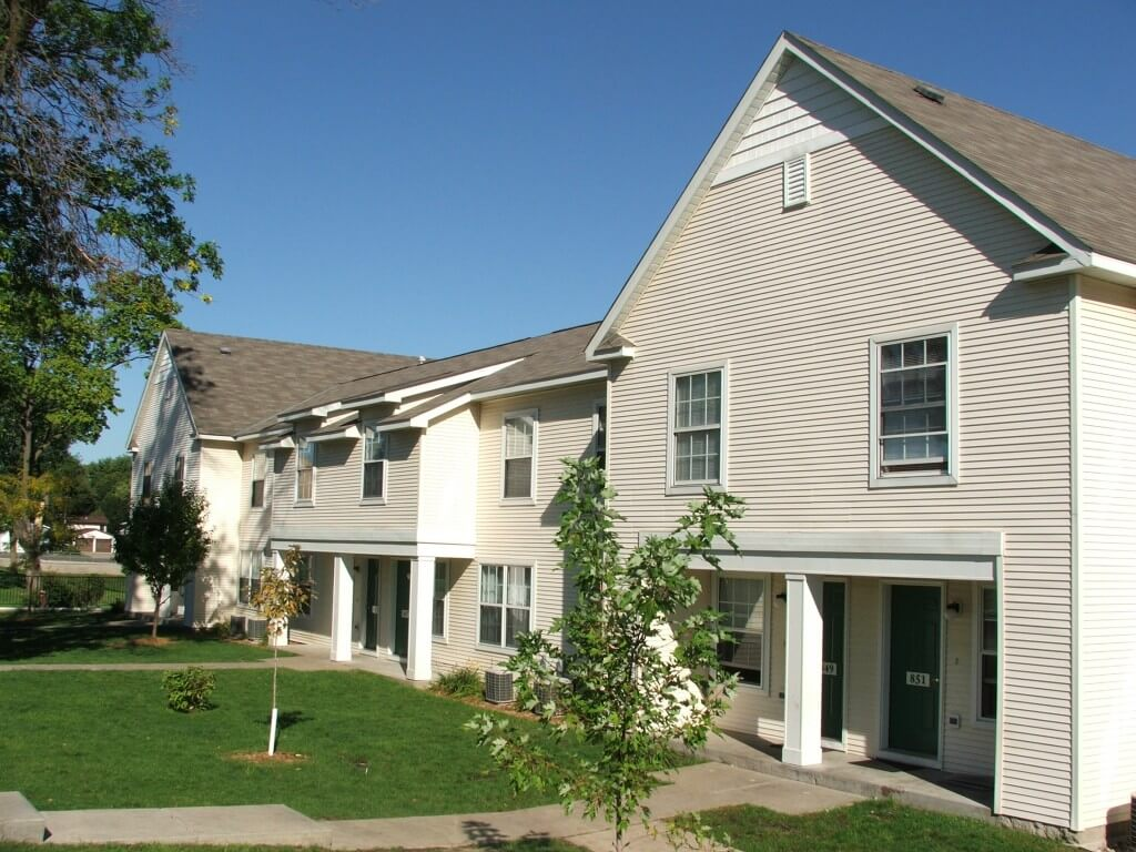 Columbia Court Townhomes Townhouses in Columbia Heights MN