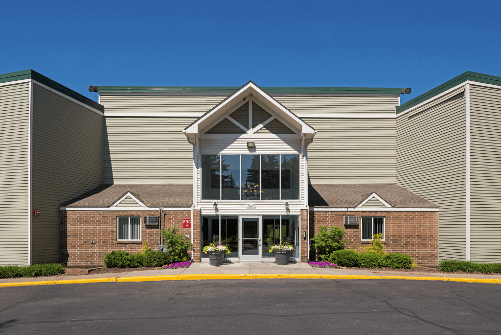 Pheasant Park 1 3 Bedroom Apartments In New Hope Mn